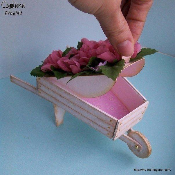 Садовая тележка из картона