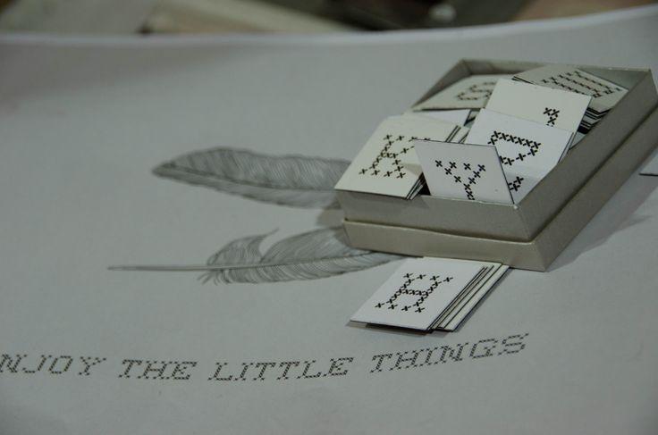 SAY SOMETHING מגנטים בשחור לבן 36 אותיות ומספרים | SHARON SEAON LEVI | מרמלדה מרקט