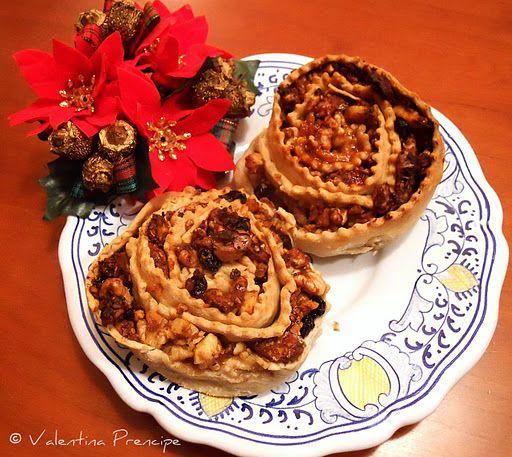 La pitta 'mpigliata, traditional Christmas dessert from Calabria