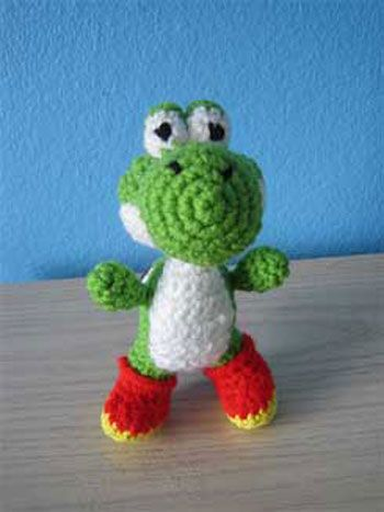 Knitting Pattern For Yoshi Toy : 17 Best images about Yoshi (for my Daughter) on Pinterest Amigurumi doll, C...