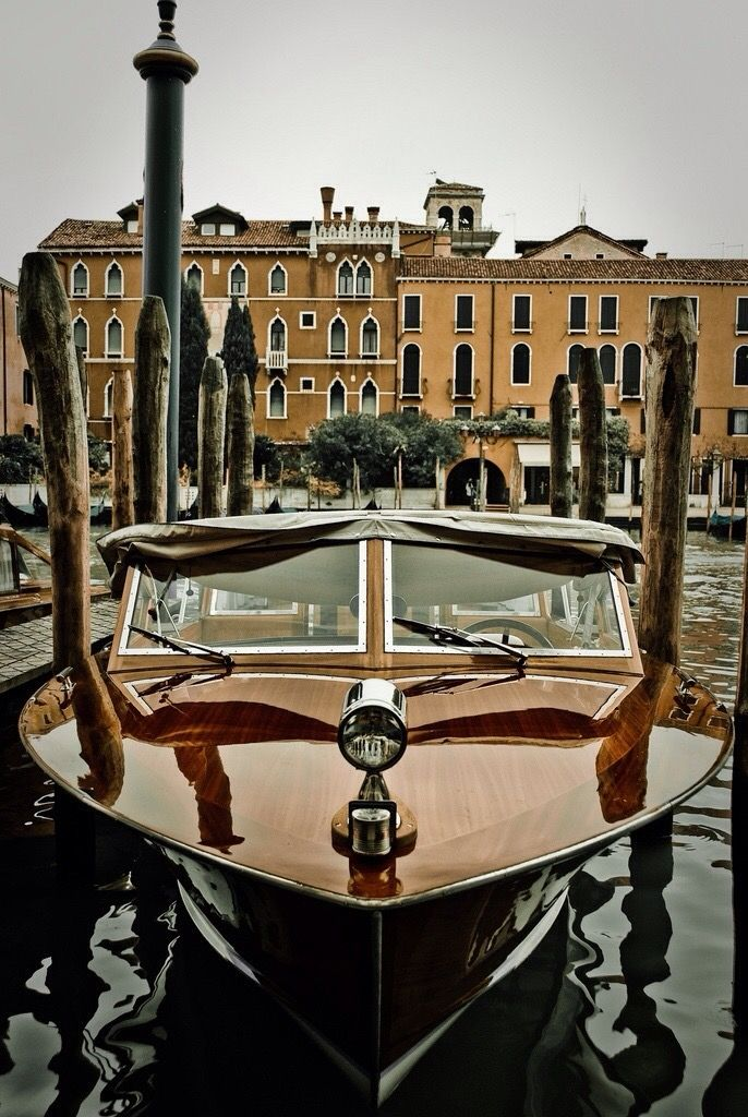 Venice - that boat!! <3
