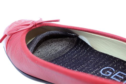 Gekks...These breathable anti-microbial liners fit seamlessly inside your footwear to allow you to go sock-free for long periods of time—without any lingering stink.