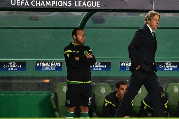 Head coach Jorge Jesus of Sporting CP in action during the UEFA Champions League group D match between Sporting CP and FC Barcelona at Estadio Jose Alvalade on September 27, 2017 in Lisbon, Portugal.