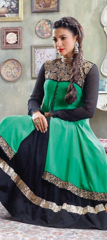 #Bollywood #getthislook #gauharkhan #colorblock  #womenswear