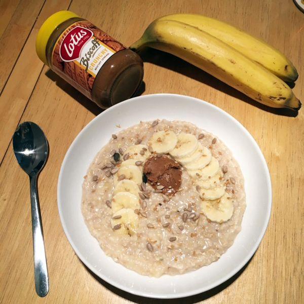 lotus biscoff http://allaboutthegirlblog.blogspot.co.uk/2016/10/porridge-day-keeps-cold-away.html