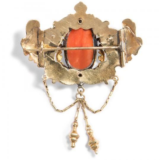 Anyag: arany Szín: sárga Nem: női Állapot: hibátlan  biedermeier kitűző 1865-evejbol 14k arany 5,45gramm Flóra istennő a Koral a súly 5,65gramm, 10 x 16,2 mm csak a medalion 5,38 / 4,6 / 3,8cm