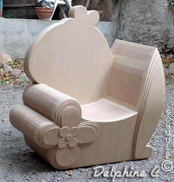 Le fauteuil et le siege en carton