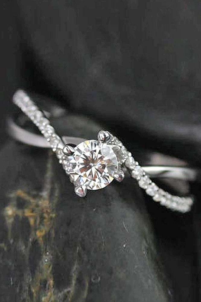 27 simple engagement rings for girls who loves classics - Wedding And Engagement Rings