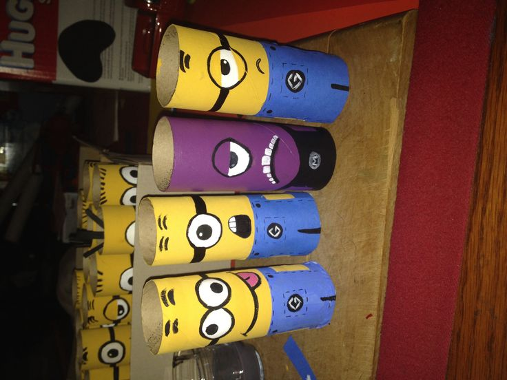 Diy Minion toilet paper roll craft