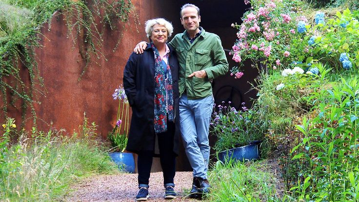 Piers Taylor and Caroline Quentin explore extraordinary homes built underground.
