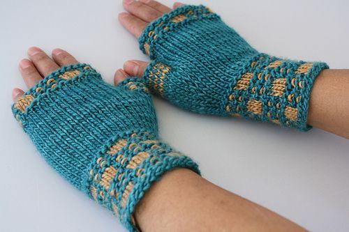 Gloves Knitting Pattern Pinterest : Free Knitting Pattern - Fingerless Gloves & Mitts: Roku Mitts Knitting ...