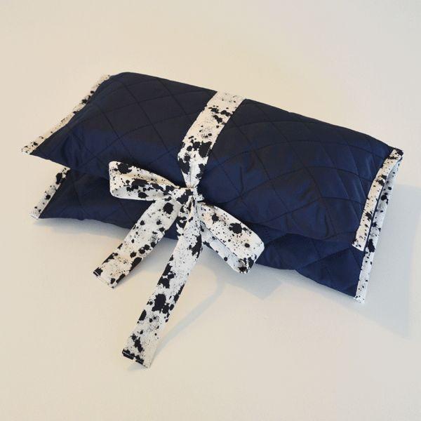 mini pusletaske i quiltet stof