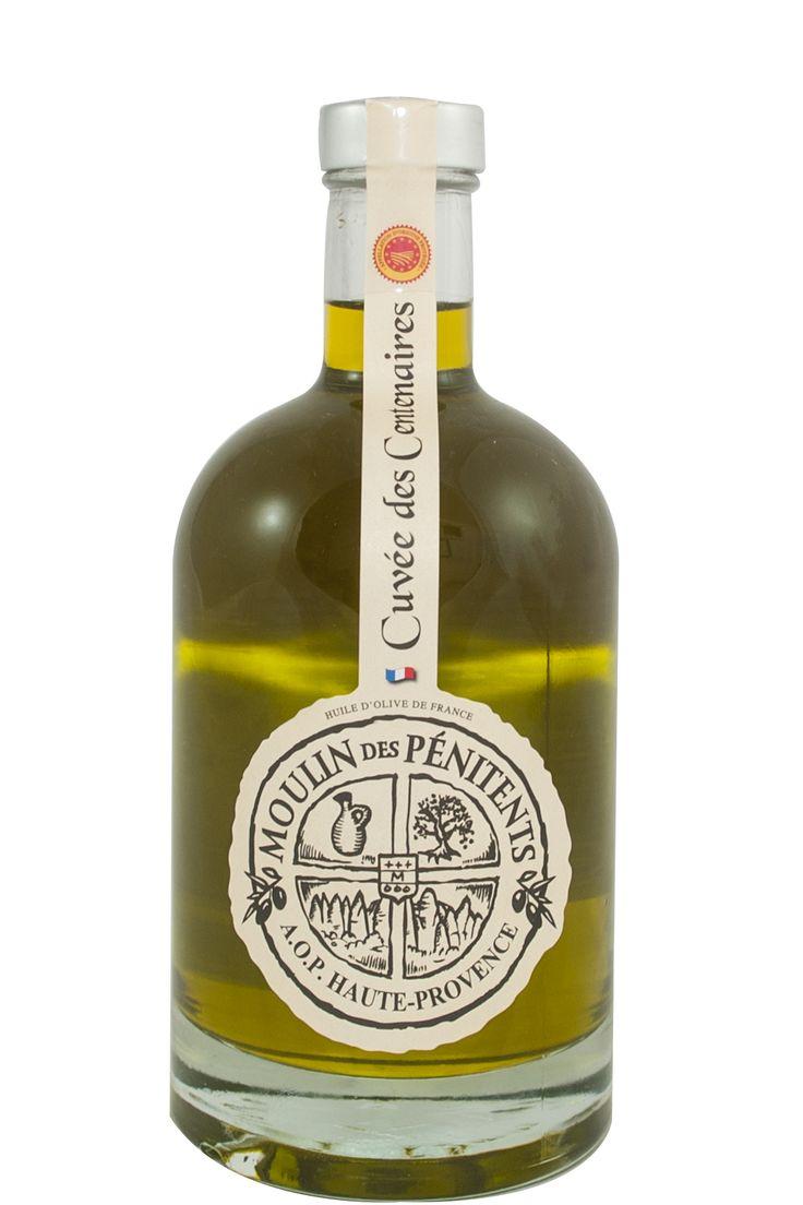 Franse olijfolie AOP, vierge extra, uit de Haute-Provence, fles à 50 cl. van Moulin des Pénitents. Een bijzondere olijfolie voor de échte liefhebber! De olijfolie zit in een mooie glazen fles, een sieraad in uw keuken.  Deze olijfolie is van de oogst van 2014. Ondanks het moeilijke jaar en de beperkte hoeveelheid verkrijgbare olijfolie hebben wij toch een aantal flessen mee mogen nemen. Deze olijfolie 50cl is in beperkte mate verkrijgbaar!
