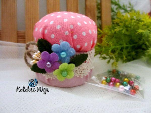 http://koleksiwiji.com/product/pink-mushroom-pincushion  Pink Mushroom Pincushion Size : Diameter jar 6 cm Colours : Polka merah Materials : cotton fabrics, dakron and beads   bantal jarum, jarum pentul, koleksiwiji, pincushion, tuspin jar -  - #BantalJarum, #JarumPentul, #Koleksiwiji, #Pincushion, #TuspinJar -