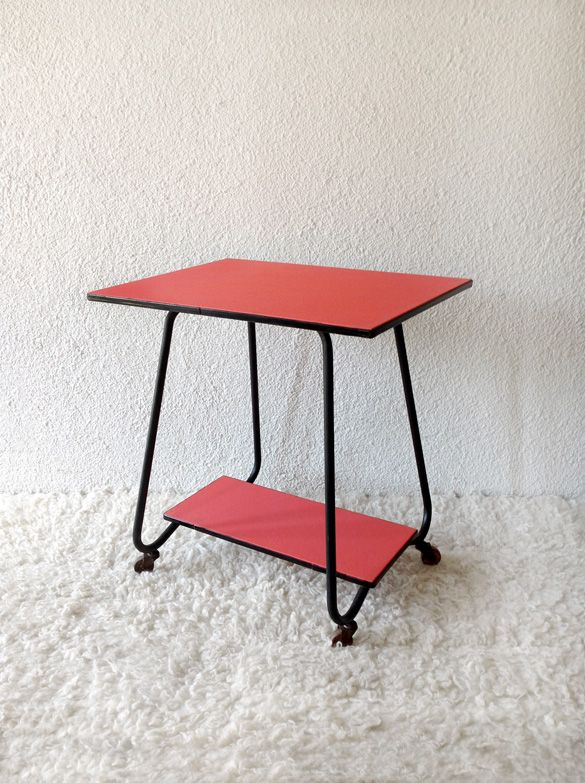 Formica table and black iron structure www.vadevintage.com