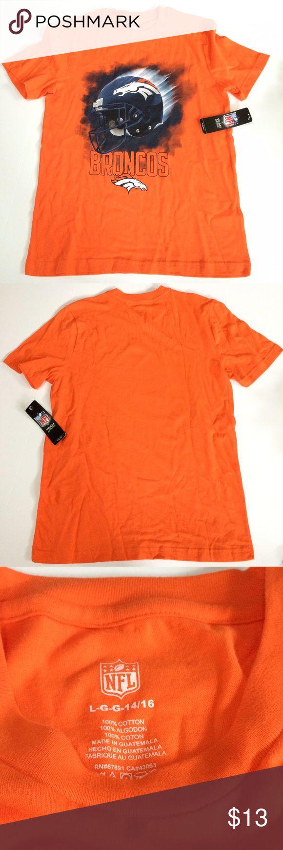NWT NFL Denver Bronco t-shirt NWT NFL Denver Bronco t-shirt NFL Shirts & Tops Tees - Short Sleeve