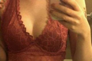 Bloke Catches Cheating Girlfriend After Spotting Something Unusual In Her Sexts - http://viralfeels.com/bloke-catches-cheating-girlfriend-after-spotting-something-unusual-in-her-sexts/
