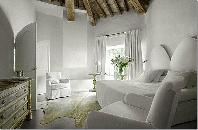 the power of white  L'Hotel Particulier in Provence