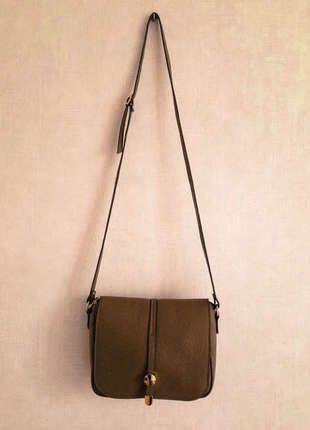 A vendre sur #vintedfrance ! http://www.vinted.fr/sacs-femmes/sac-a-main/20120444-sac-en-cuir-marron-et-dore