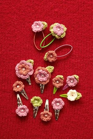 Flower Hair Accessories: free easy pattern.