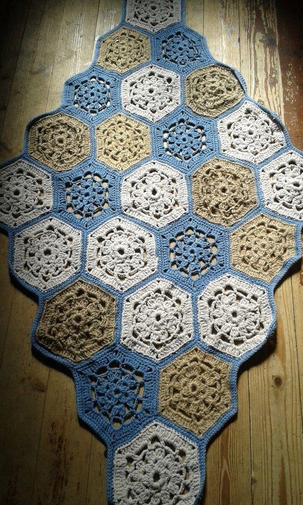 Tappeto artigianale nuovo fatto a mano all'uncinetto 2