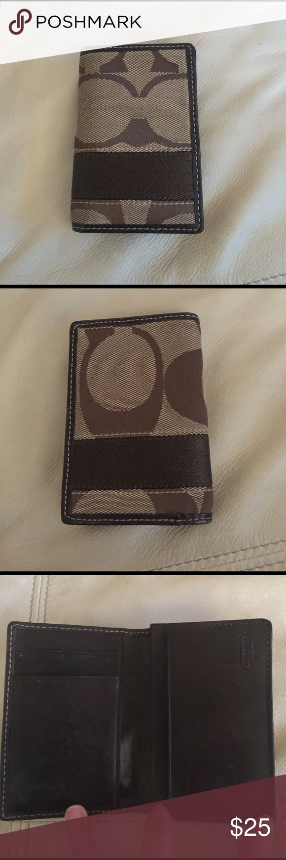 Coach credit card little wallet Very little signs of wear, very practical, holds lots of either credit cards and/or presentation cards. Good used condition as you can see in the pictures. Coach Other