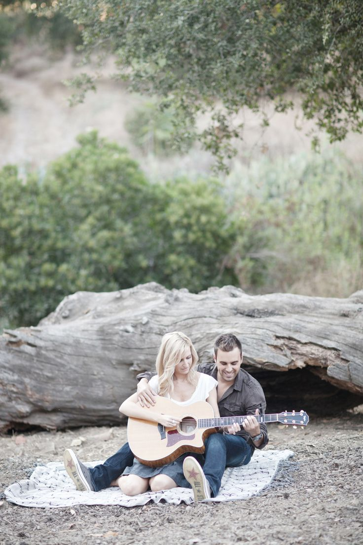 I am in love with this engagement session photo. Totally wanna do this if my future husband plays guitar <3