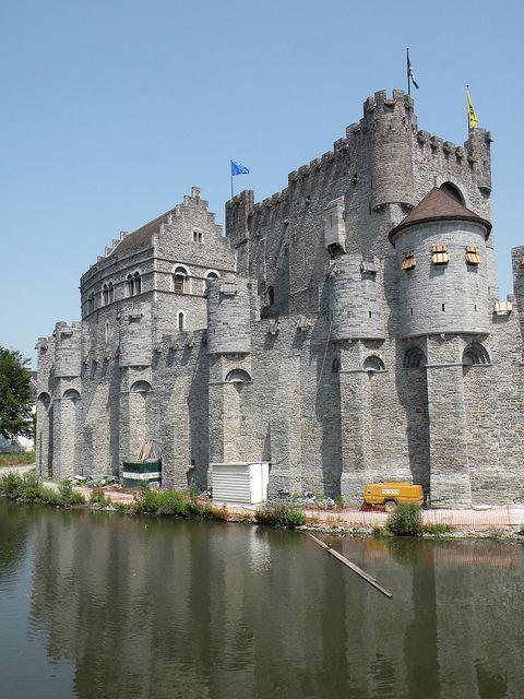 Gravensteen Castle, Gent Belgium (by twiga_swala, via Flickr)