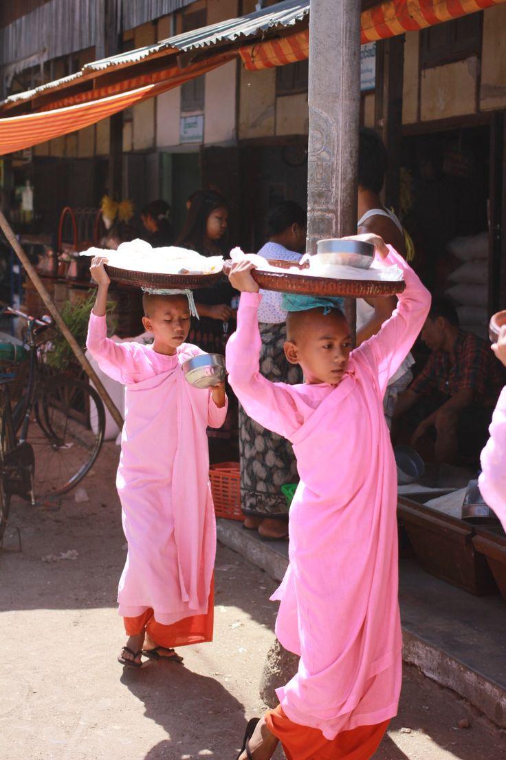Bagan - Nyaung U Market.