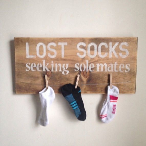 Calcetines perdidos. buscan compañero Una gran idea.....