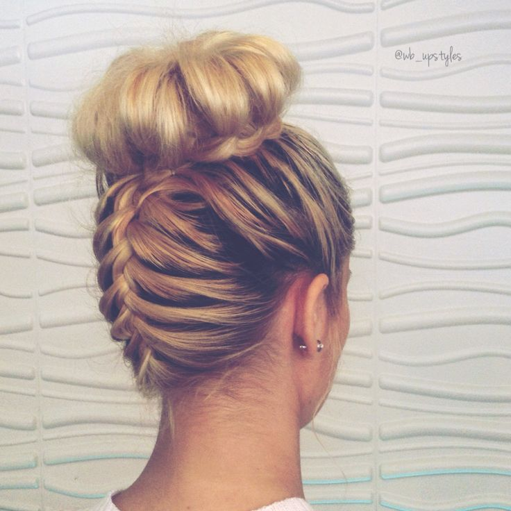 Do you love this Top Knot French Braid?  Follow me on Instagram if your interested in upstyles. Wedding, bridal hair. Upside down French braid. Cute hairstyles. Updo. Upstyles. Blonde hairstyles.  @wb_upstyles #wb_upstyles #topknotfrenchbraid