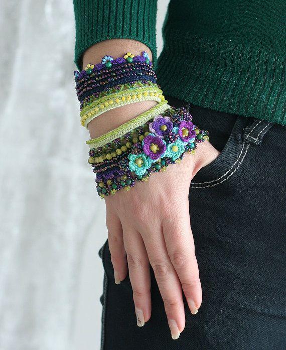 Violeta verde del ganchillo del pun o con gran por ellisaveta