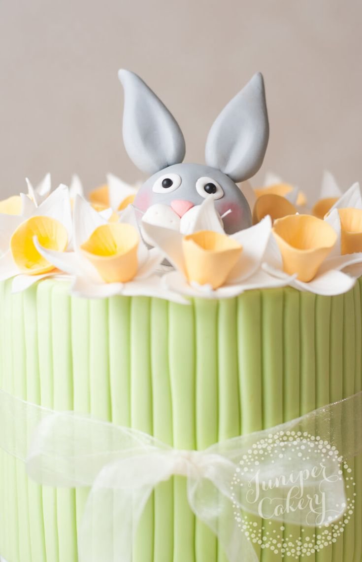 46 best Spring and Easter Cakes images on Pinterest | Easter cake ...