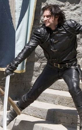 "Guy of Gisborne ""Everybody's dancing, dancing crazy and we never stop. We never stop!"" Lol!"