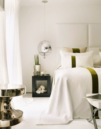 #bedroom #shadesofwhite | Kelly Hoppen | Top Interior Designers