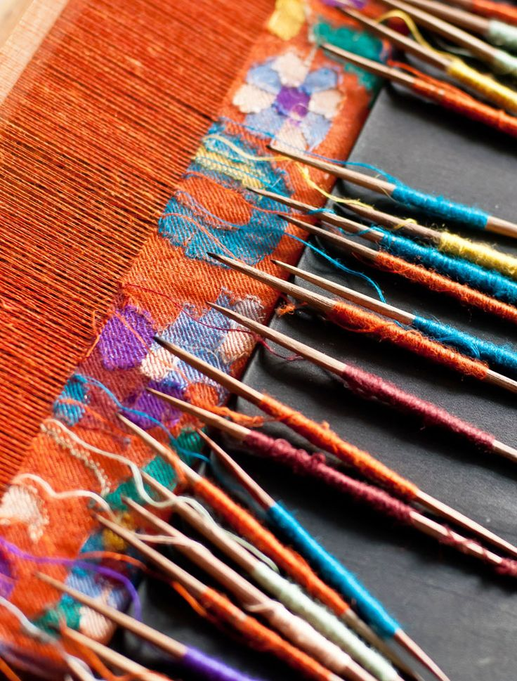 Colors of the Pashmina, Kashmir, India  Image: www.break-away.in  Join us on Journeys to Kashmir and Ladakh https://www.jaypore.com/kashmir_journey.php