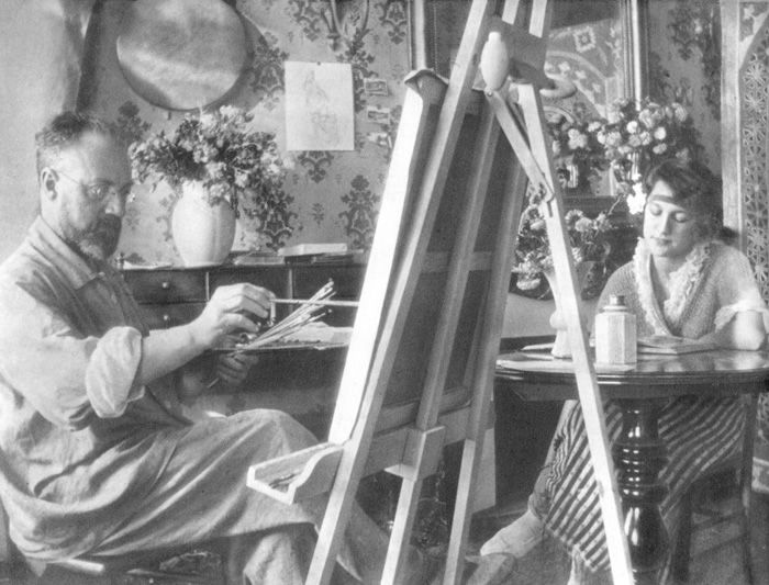 Matisse as he paints his model Henriette, c. 1920.Matisse in the autum of 1911., Henri Matisse  Famous Artists at Work in their Art Studio Resources for CAPi- Create Art Portfolio Ideas at www.milliande.com, a Peek at Famous Artist Studios