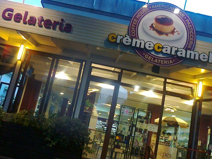 Crème Caramel http://www.riccionesocialclub.it/locali/la-nuova-avventura-firmata-creme-caramel