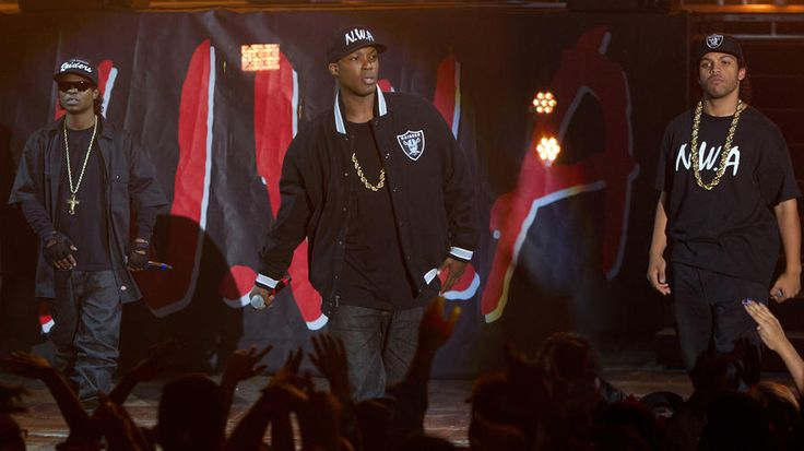 Review: N.W.A film 'Straight Outta Compton' starts fast but runs out of gas