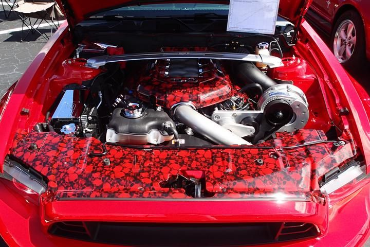 2013 Mustang GT premium engine bay