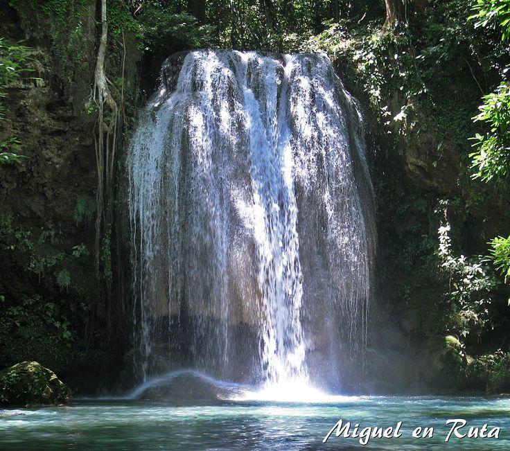Joyas naturales de #Tailandia: El Parque Nacional Erawan, 500 km2 de selva y su ruta de cascadas con 7 niveles.
