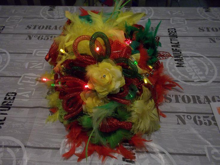 home made carnavalshoed, in rood-geel-groen