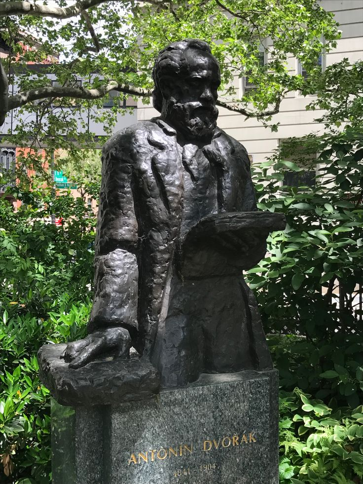 #Czechheritage in NYC : a statue of Czech compositor Antonin Dvorak