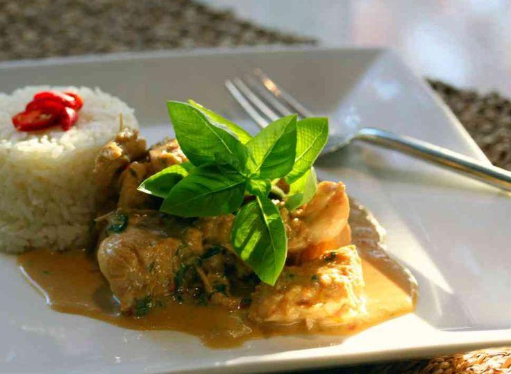 Thermomix recipe: Thai Chicken Basil, With Chili · Tenina.com