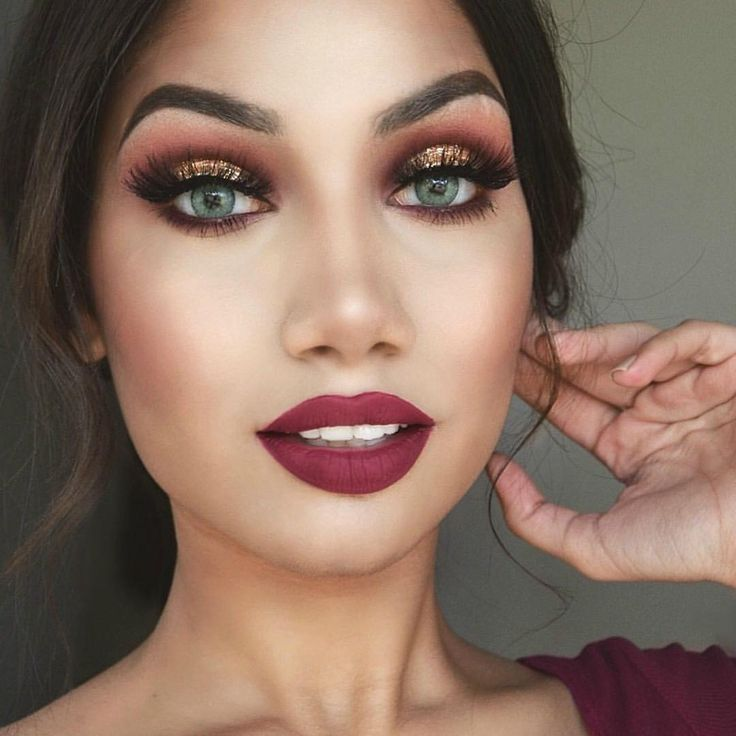 """ALINA on Instagram: """"Cranberry Eyes: @vegas_nay @toofaced Star Dust palette (""""Milennial"""", """"Girl's night"""", """"Double tap"""" in crease & """"Golden nugget"""" on the centre of the lid)"""