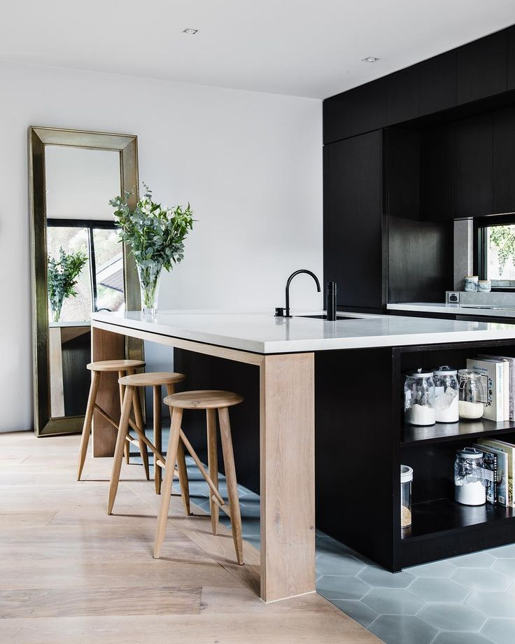 Your contemporary dream kitchen?  #yesplease  Kitchen Island and back benches in Caesarstone Alpine Mist  designed by @georgia_ezra of GABBE & TilesofEzra @ameliastanwix #caesarstone