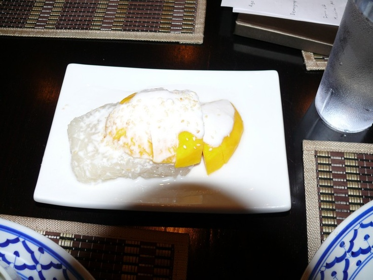 Sticky Rice Thai Cuisine's mango pudding : made with fresh mango, curated with coconut syrup and sticky rice