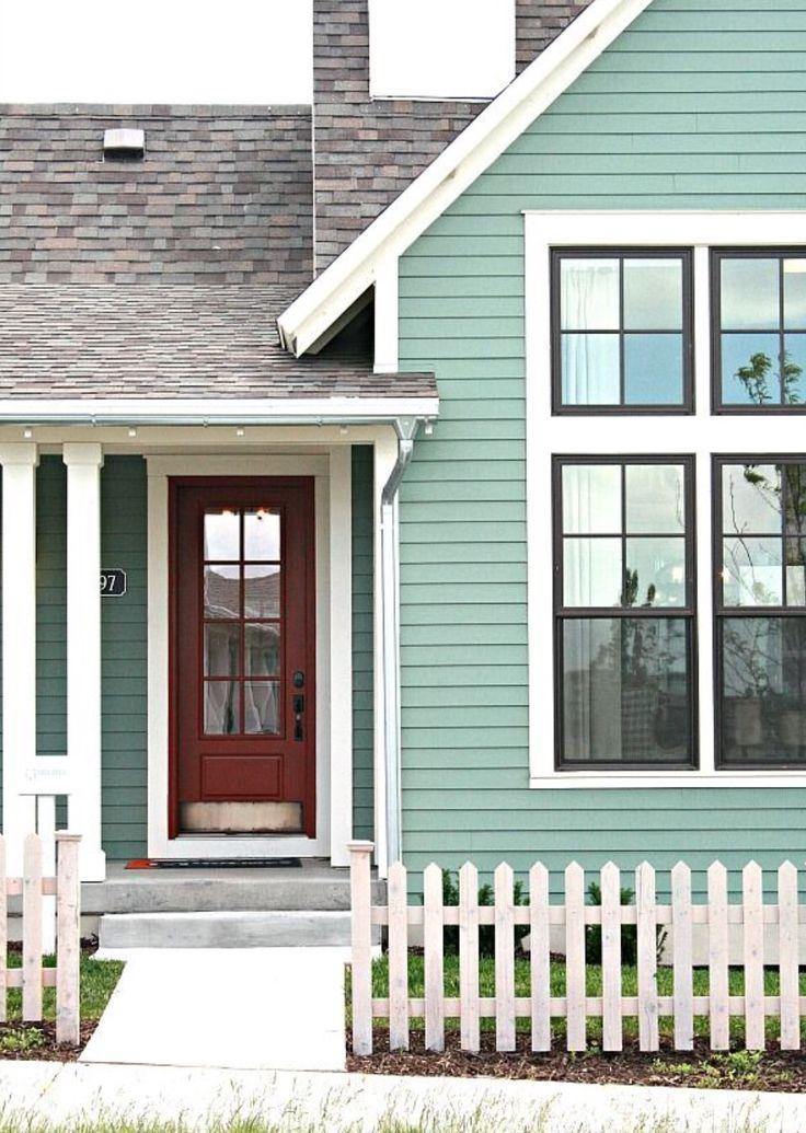 29 best exterior paint images on pinterest exterior for Cottage exterior color schemes