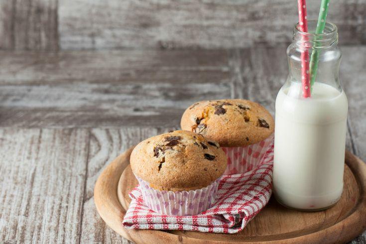 Damla çikolatalı muffin tarifi en pratik haliyle altın günlerinizin, çay saatlerinizin, öğlen atıştırmalıklarınızın en lezzetlisi olmak için scan atıyor.