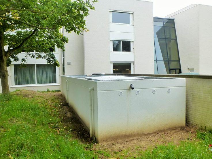 De Herz biomassa CV installatie van 200 kW is met opstelunit en brandstofvoorraadbunker verdekt opgesteld.